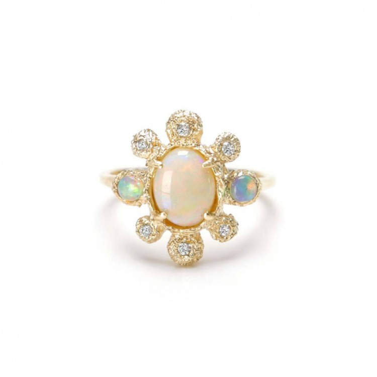 18k Yellow Gold Ring with Natural Diamonds and Opals